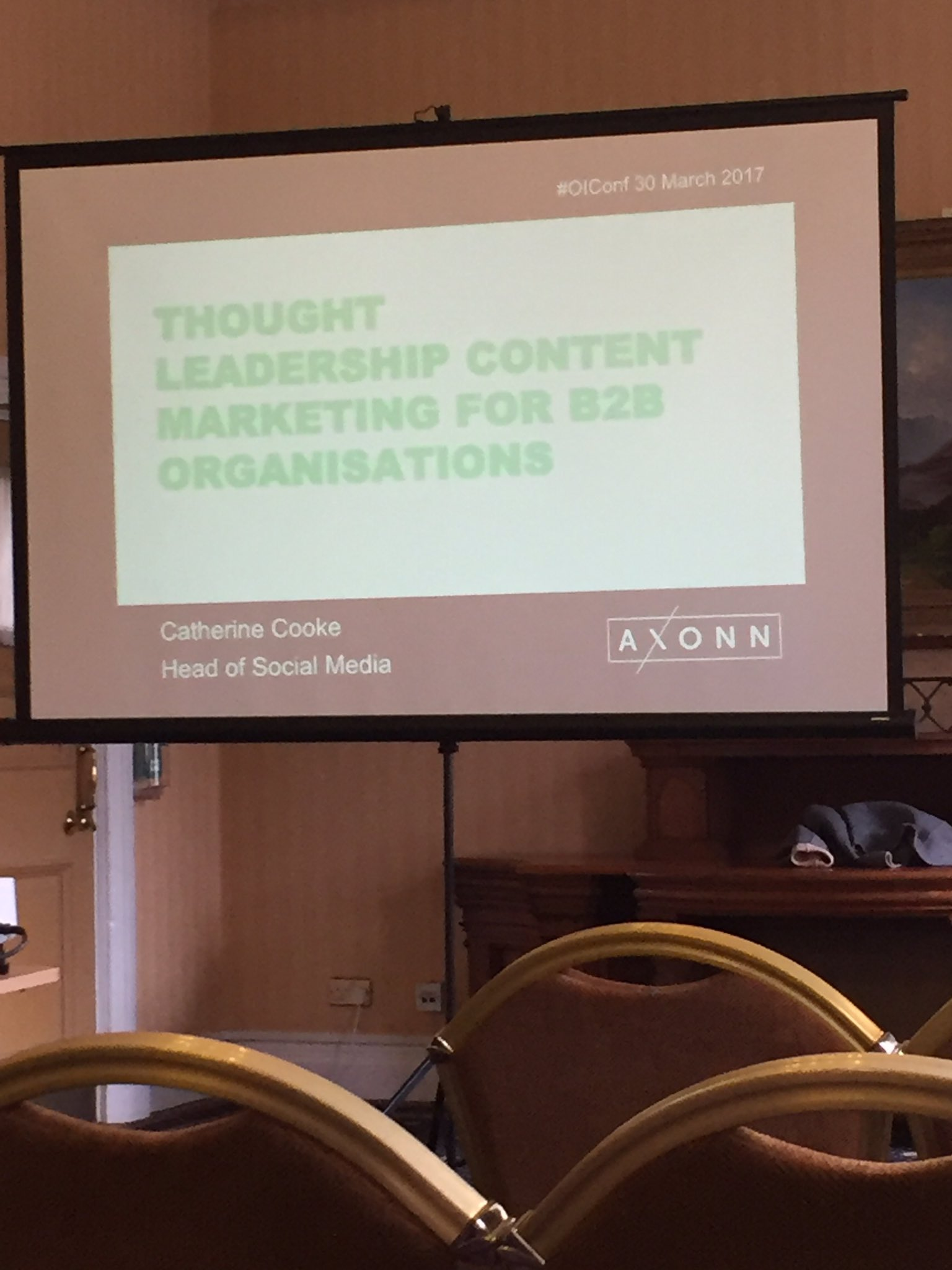 At the #OiConf today. First seminar of the day - thought leadership for B2B content by @AxonnMedia #marketing #DigitalMarketing https://t.co/T45lhr0r93