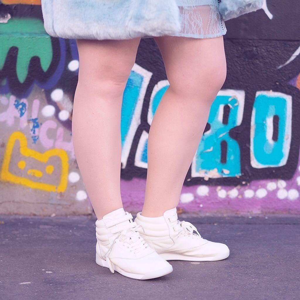 Nouveau #look sur le #blog : la collab&#39; @reebokclassicfr x @facestockholm  • Lien dans ma bio  ~ New #outfit pos…  http:// ift.tt/2nOx55p  &nbsp;  <br>http://pic.twitter.com/v8cOo16WhA