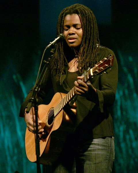 Happy Birthday to Tracy Chapman, who turns 53 today!