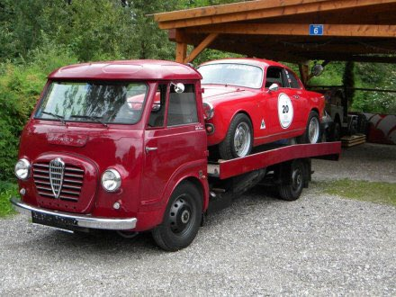 Qldmotorsportmuseum qmmtours twitter for Giles motors waco tx