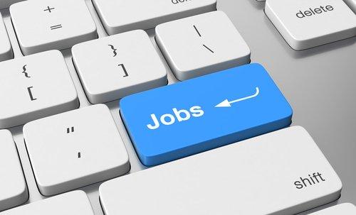 Vous cherchez un #emploi ? le #CrijAlsace met à votre disposition la liste des sites internet utiles. Suivez le lien  http:// ow.ly/hu6L30aokQE  &nbsp;  <br>http://pic.twitter.com/vnfAOusad5