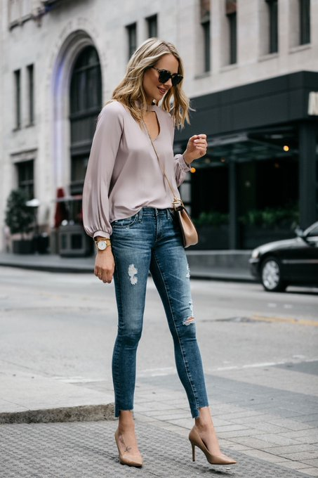 A STYLISH WAY TO WEAR A CUTOUT TOP