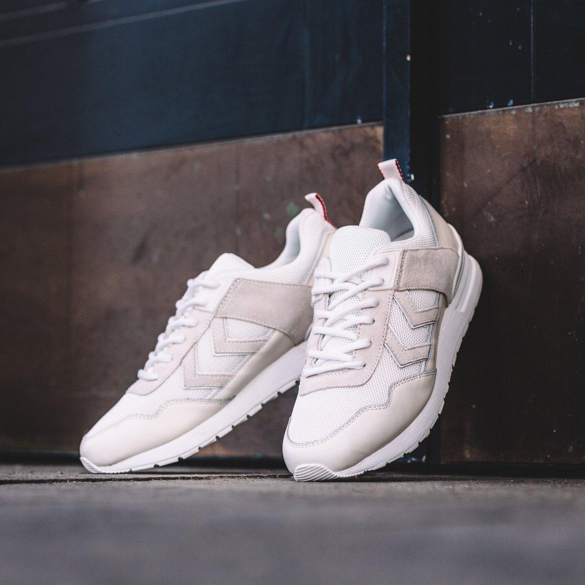 #Sneakers Sortie de la Marathona II Premium aujourd&#39;hui ! Dispo chez @citadium et @BlackRainbow75 à Paris. #MarathonaPremium #kicksoftheday<br>http://pic.twitter.com/eoNdZ0pKdS