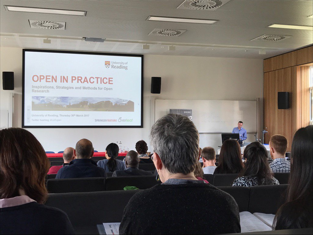 The University of Reading's @robert_darby17 getting #UoRopen underway. https://t.co/zzMtcWaYy7