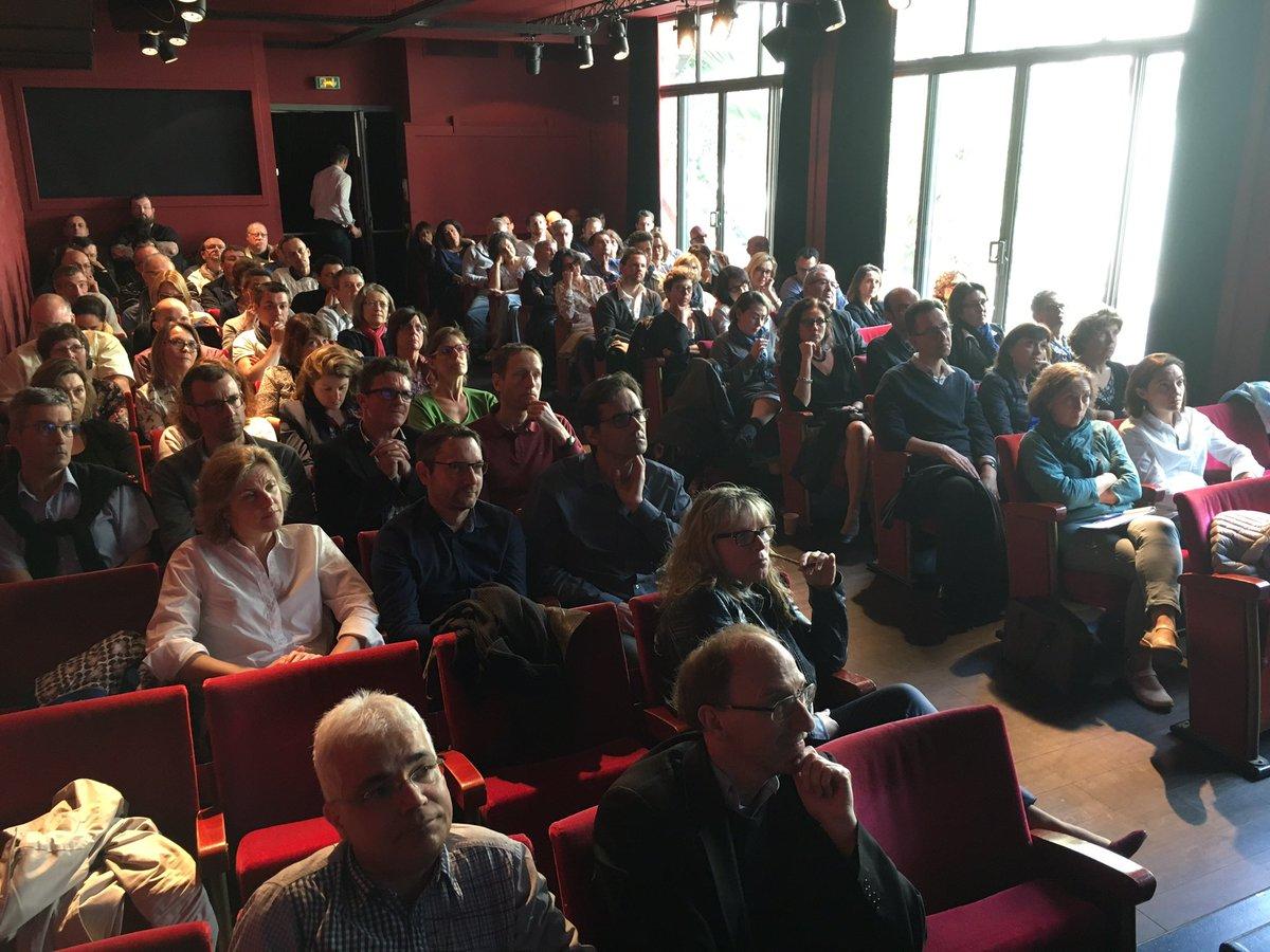 Heureux de retrouver tous les collègues de la DSI TGV pour imaginer l&#39;avenir et nos futurs projets ! #Nantes #HumainAuCentre #30Avril2017<br>http://pic.twitter.com/Y4iMW38SW4