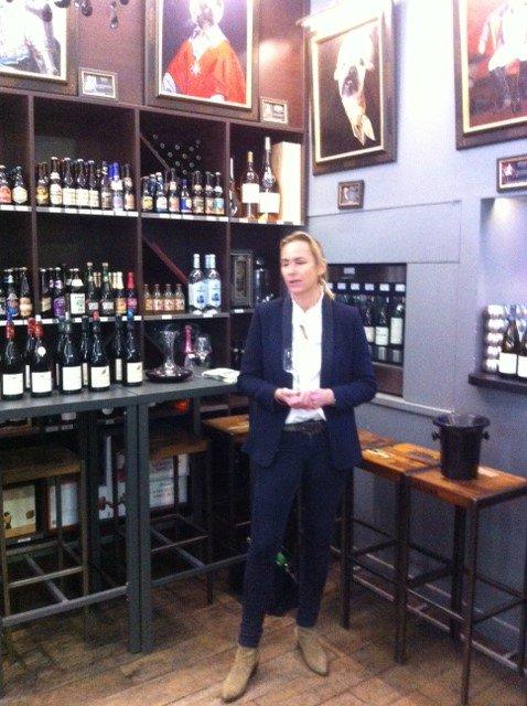 Jolie Master Class pour nos cavistes des cuvées de la famille Devillard en Bourgogne. Il y avait de quoi se régaler :) #Bourgogne #vins <br>http://pic.twitter.com/Ryndr1TH6o