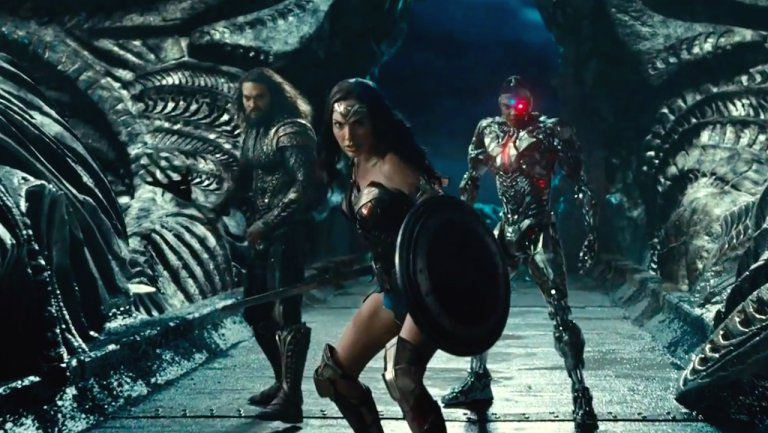#JusticeLeague: Zack Snyder brings banter-heavy footage to #CinemaCon https://t.co/0ZF6u3kJHR https://t.co/qAfqsUZvh0
