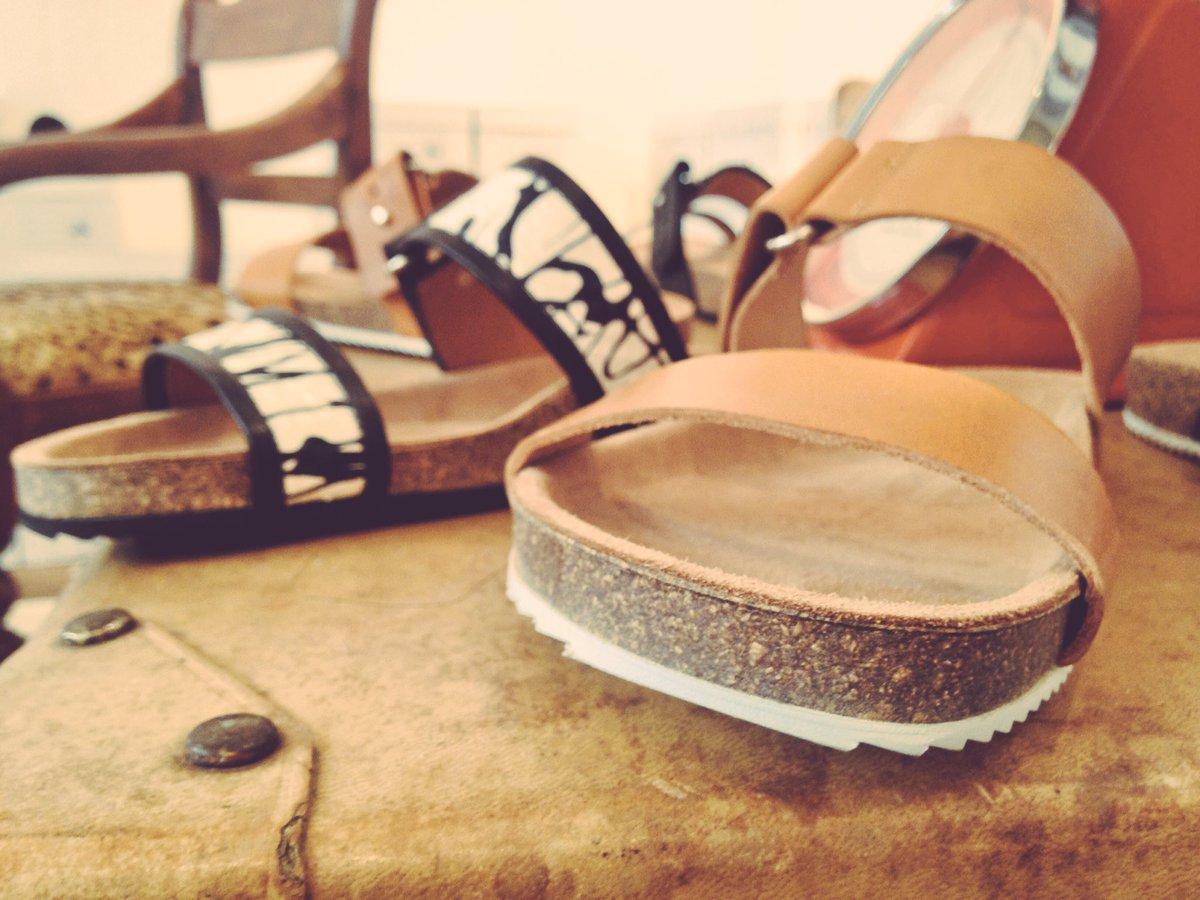 Jour Férié Paris. #luxury #ParisInLosAngeles #fashion #outfitoftheday #Sun #USA #shoes #shopaddict #sandals #Thursday #Snake #losangeles<br>http://pic.twitter.com/JwOCeQITOe