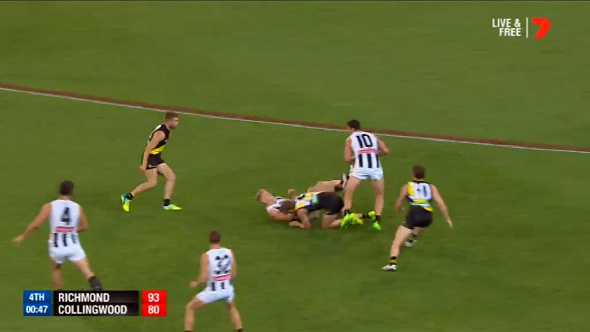 Off the post and in! Dusty seals the win for @Richmond_FC. #AFLTigersP...