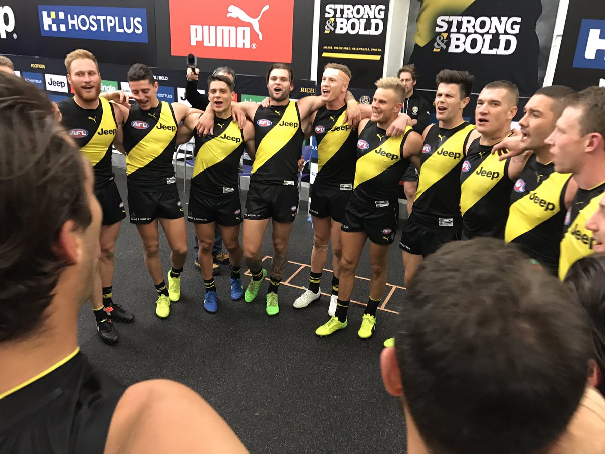 🐯🎶  #AFLTigersPies #gotiges https://t.co/gjAY66mX9A