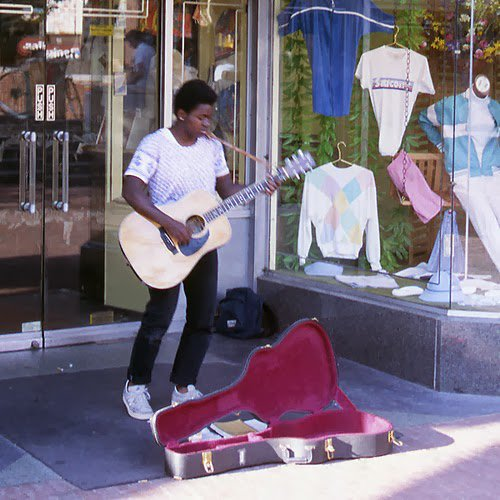 Happy 53rd Birthday to Tracy Chapman! Here she is at Harvard Square in 1985.