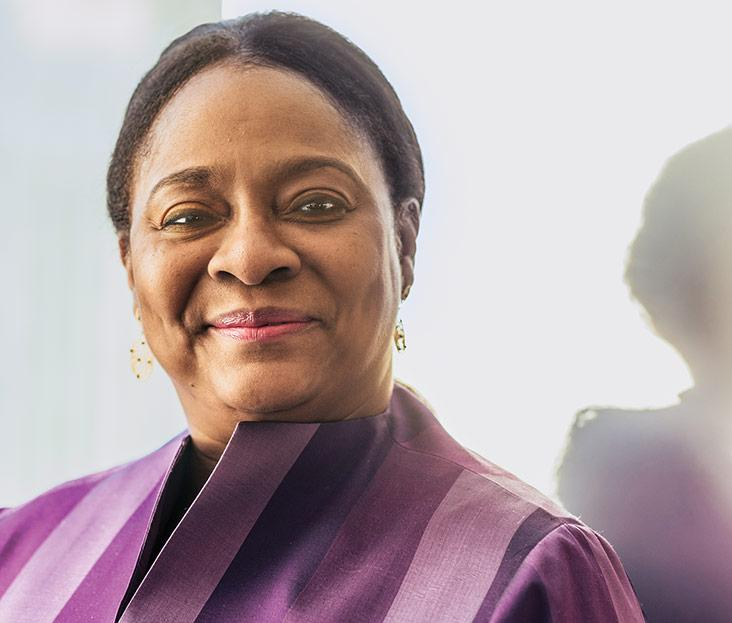 Get to know @WorldBank VP and Treasurer Arunma Oteh (MBA 1990): https://t.co/soA2qG2Qxj https://t.co/ON17XnvUDM