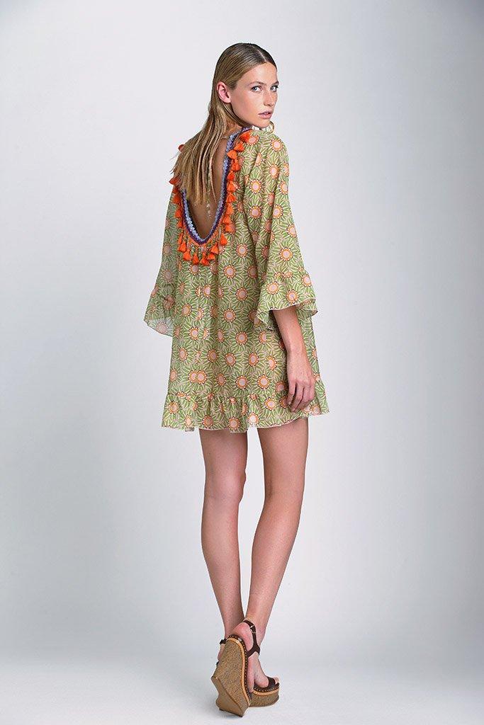 Toujours beau un dos-nu. Collection #beachwear raffaela d&#39;angelo, printemps/été 2017. #fashion <br>http://pic.twitter.com/P89P4opC6y