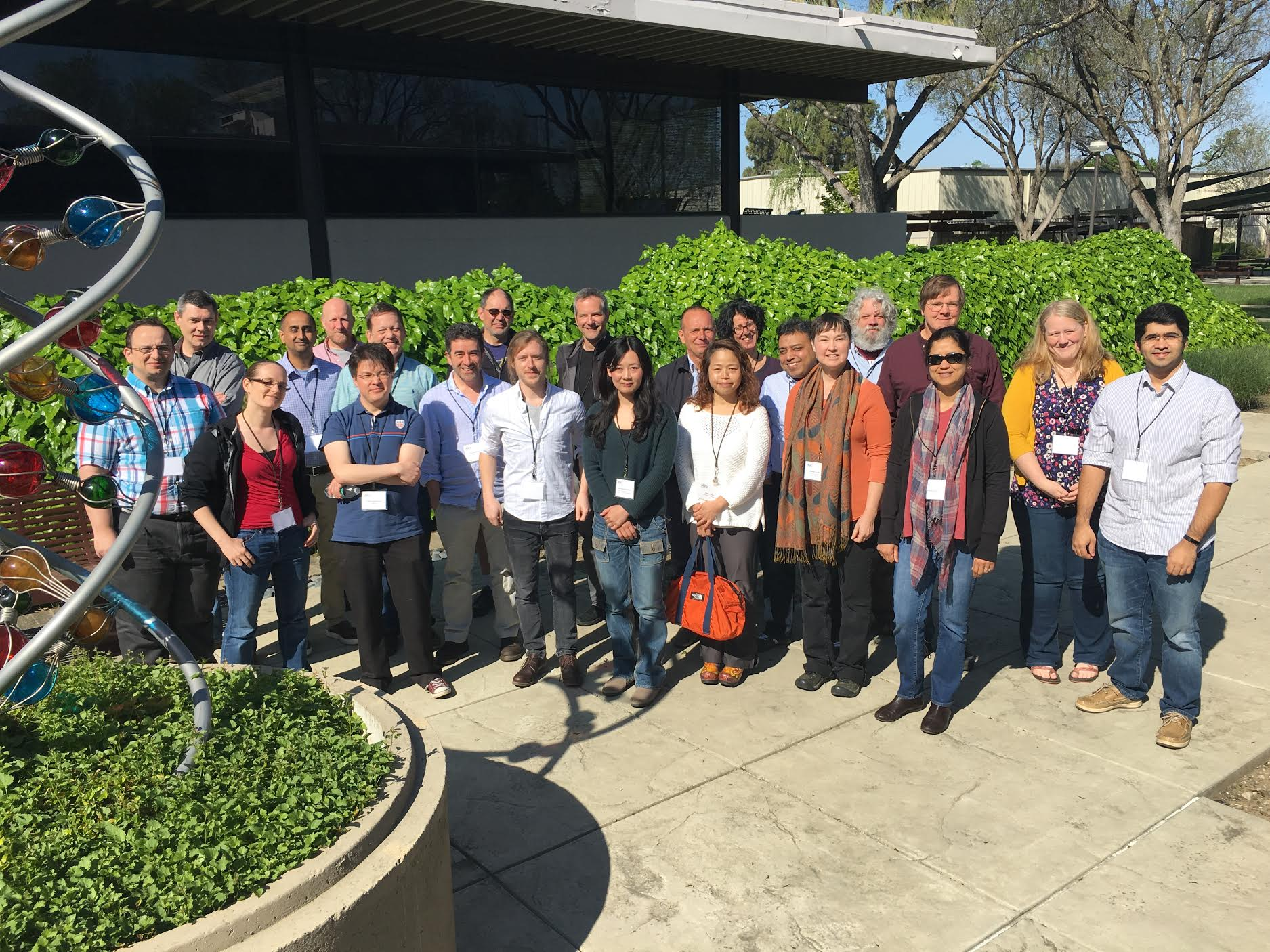 Group photo in the sun at the InterMine conference. Say cheese! 📷 https://t.co/gDXzgEeKGq