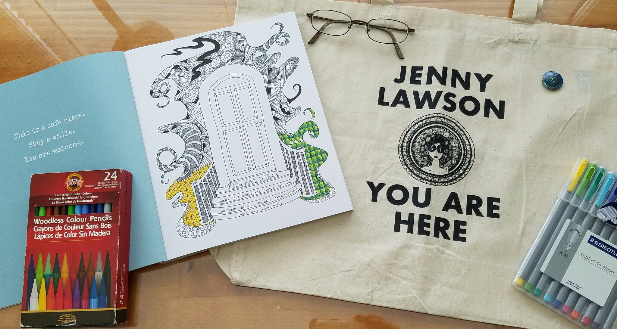 @TheBloggess Your book has my 100% coloring endorsement, the bag is perfect, u r amazing, so no worries about marketing, just get better!! https://t.co/RjJmVJd06I