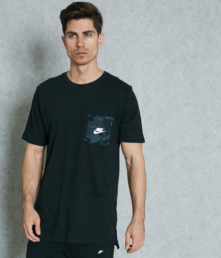 Sortez vos t-shirts   #Nike Disponible par ici   http:// goo.gl/CcVZqj  &nbsp;  <br>http://pic.twitter.com/mMQbXQRBK2