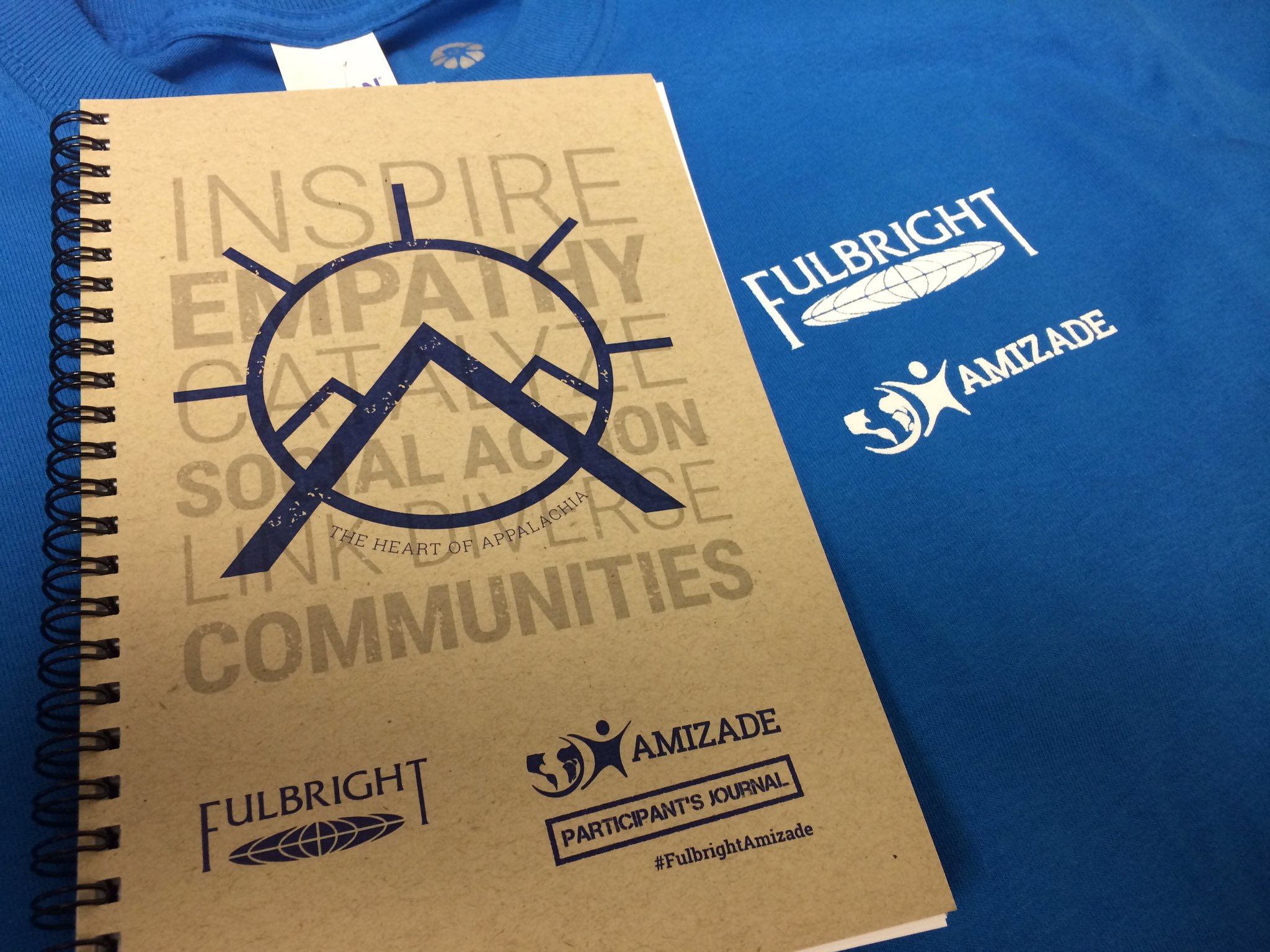 Journals and t-shirts, check. ✅ A new #journey is about to start. ⛰#FulbrightAmizade #Appalachia https://t.co/BD4Em4ZNUT