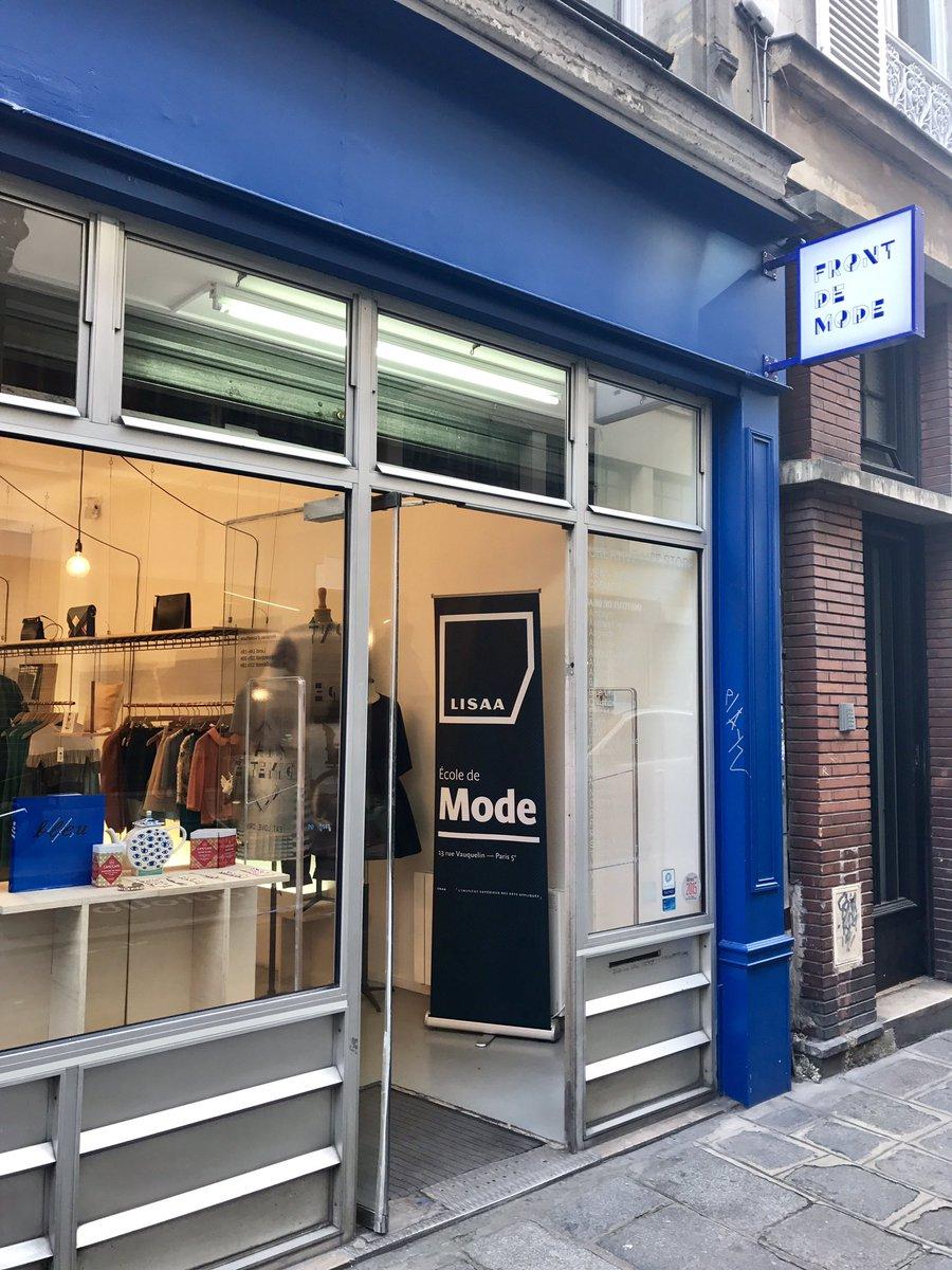 @EcoleLISAA #mode chez @FrontDeMode vernissage création de sacs pour @InimitableLaloo #ecotlc #fashion #accessoires<br>http://pic.twitter.com/HRLrSdhZbS