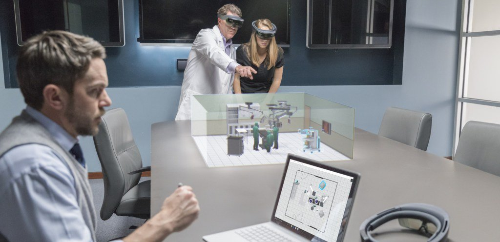 Happy birthday, HoloLens! A huge thank you to our community.