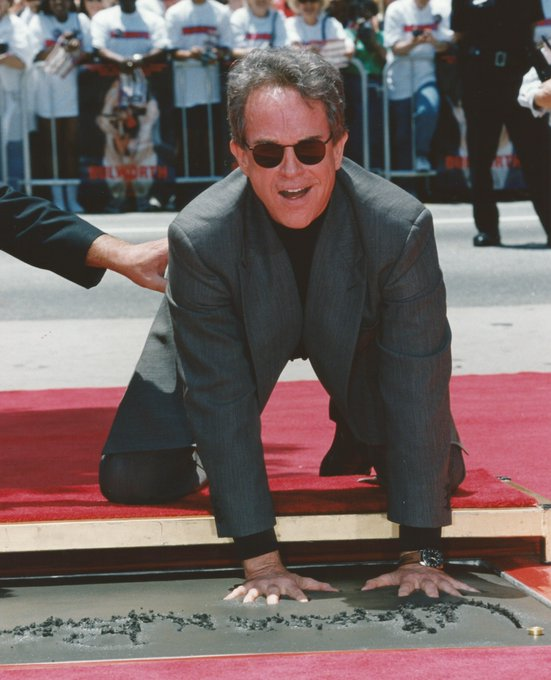 Happy 80th birthday Warren Beatty! Pictured at his imprint ceremony in 1998.