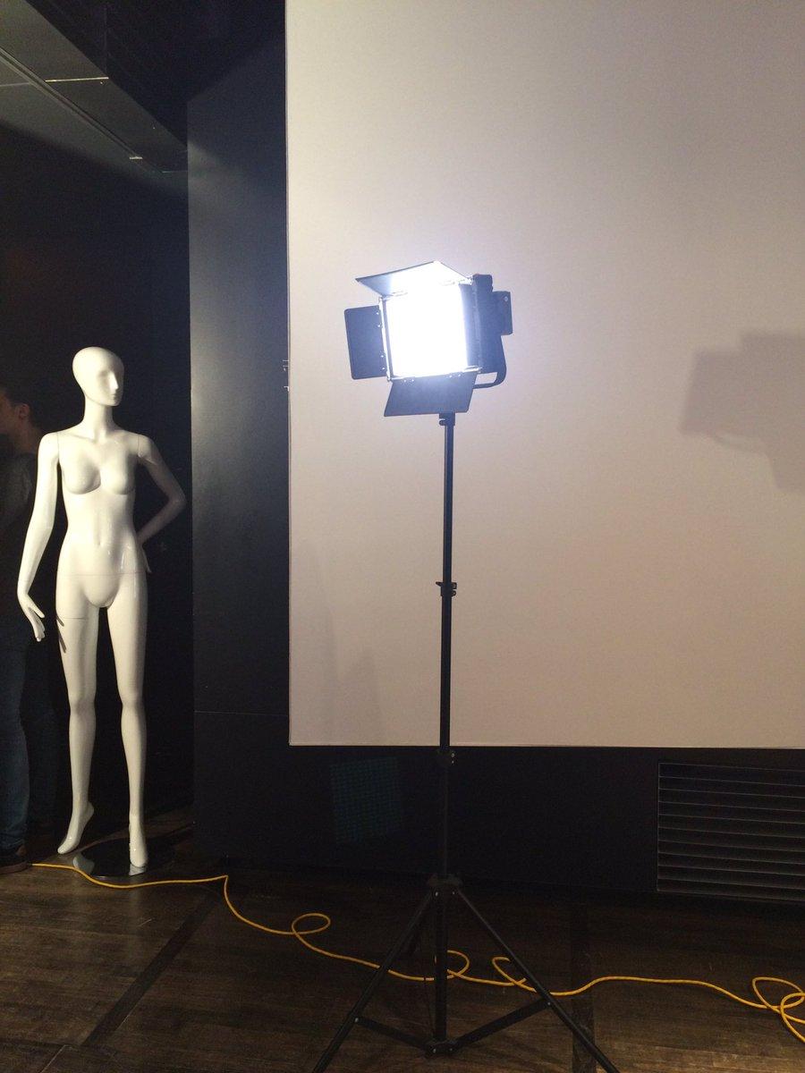 #Montreal #Fashion #Tech c&#39;est ce soir! @MuseeMcCord @PN_MTL<br>http://pic.twitter.com/0IzMqnSnbA