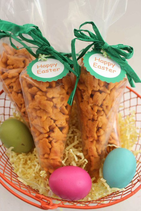 Carrot Treat Bags | Fun Non-Candy Easter Idea