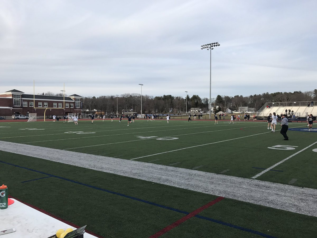 Home opener vs Needham for Girls Lax! #roadtotheship #letsgo @HockomockSports pic.twitter.com/NbHfg1Pz0y — FranklinAthletics (@FHSSports) March 30, 2017