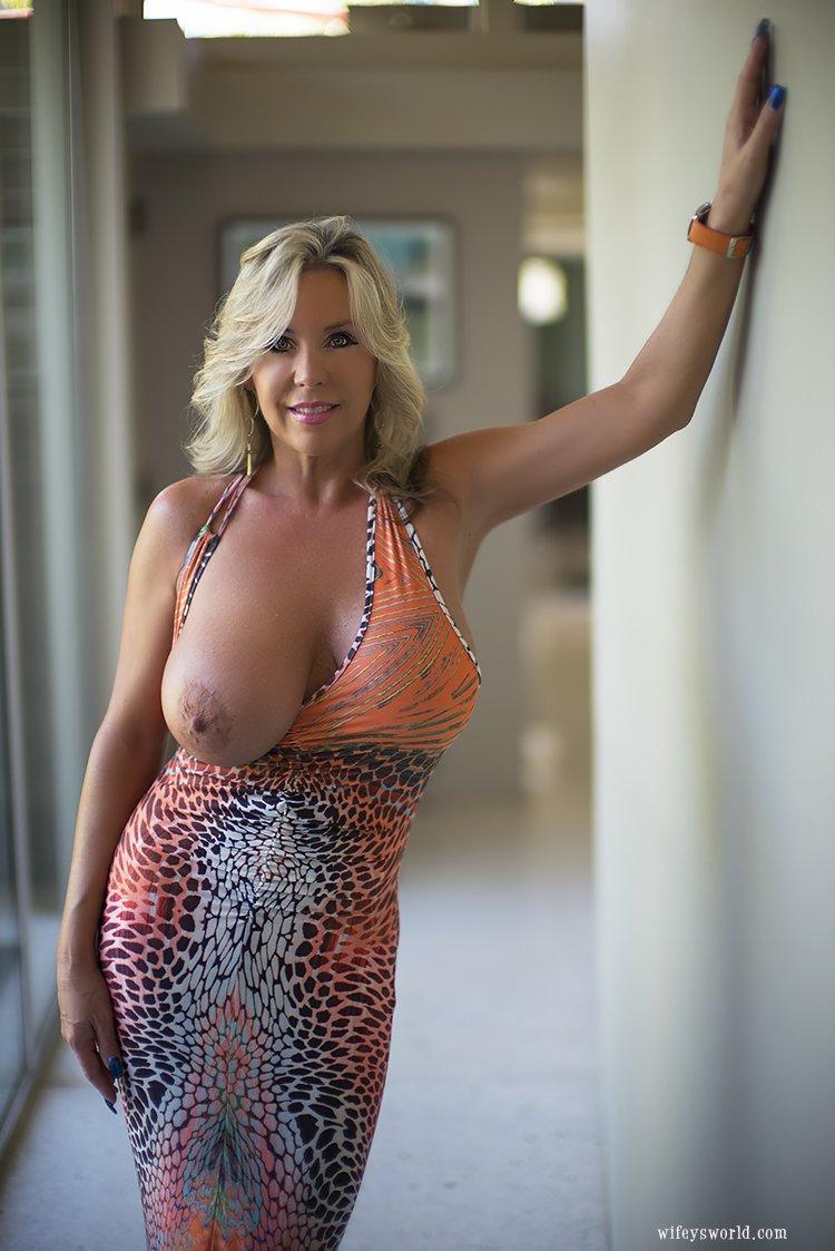 Sex clip older big boobs