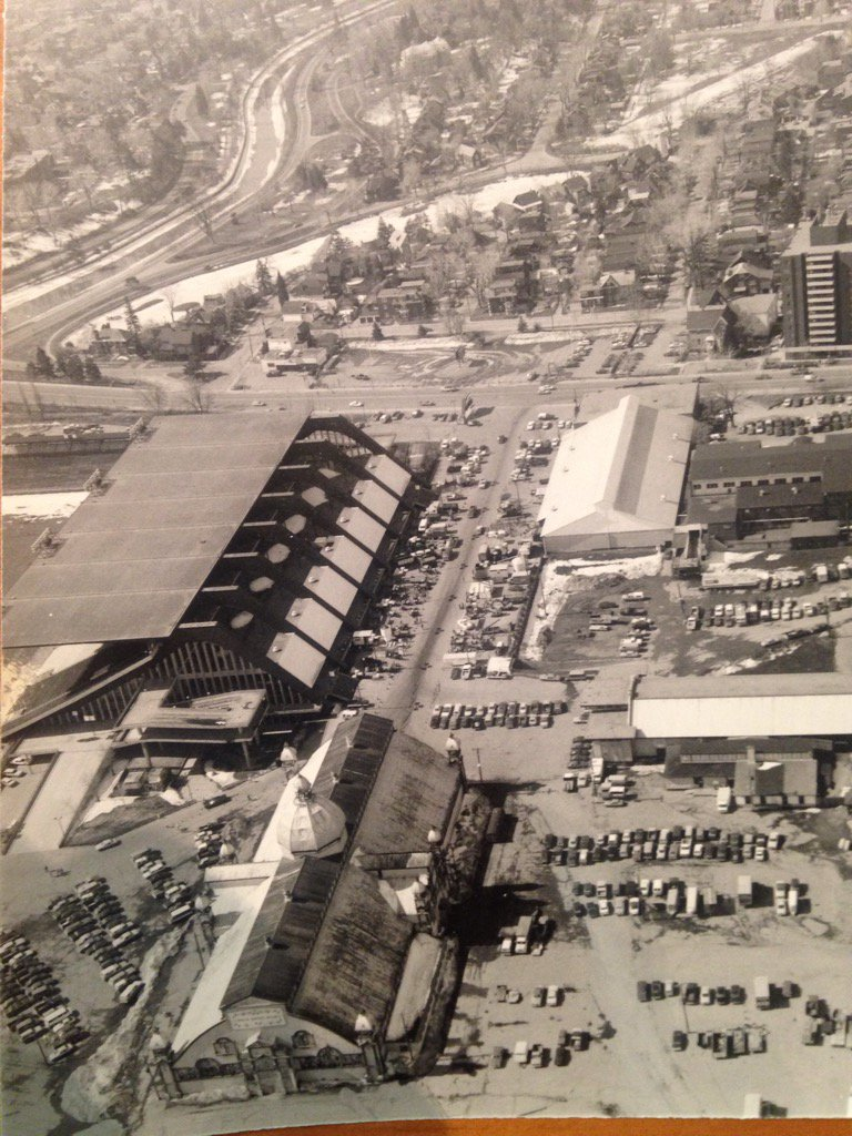 From 1959 to 2011 the Ottawa Valley Farm Show was held at Landsdowne Park in Ottawa. https://t.co/NxgyIPIJ3u
