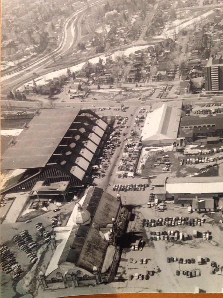 From 1959 to 2011 the Ottawa Valley Farm Show was held at Landsdowne Park in Ottawa. https://t.co/NxgyIPIJ3u