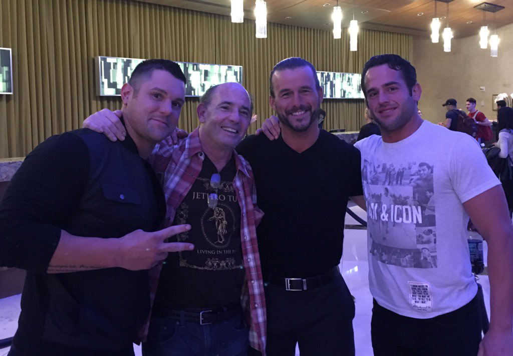 Reunion at its best @TheEddieEdwards @roderickstrong @AdamColePro @ringofhonor #WatchROH https://t.co/BrcaNXJFhq