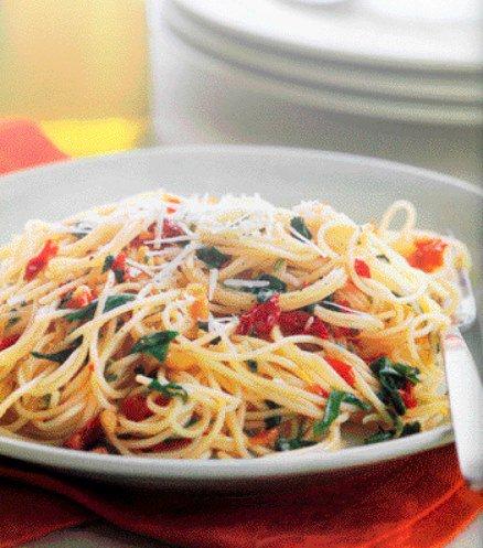 إليك #طريقة_تحضير #الباستا_بالفليفلة_الخضراء http://ht.ly/goU230aqzt6 #snobonline #recipes #pasta #باستا #فليفلة #فليفلة_خضراء #فلفل_أخضر
