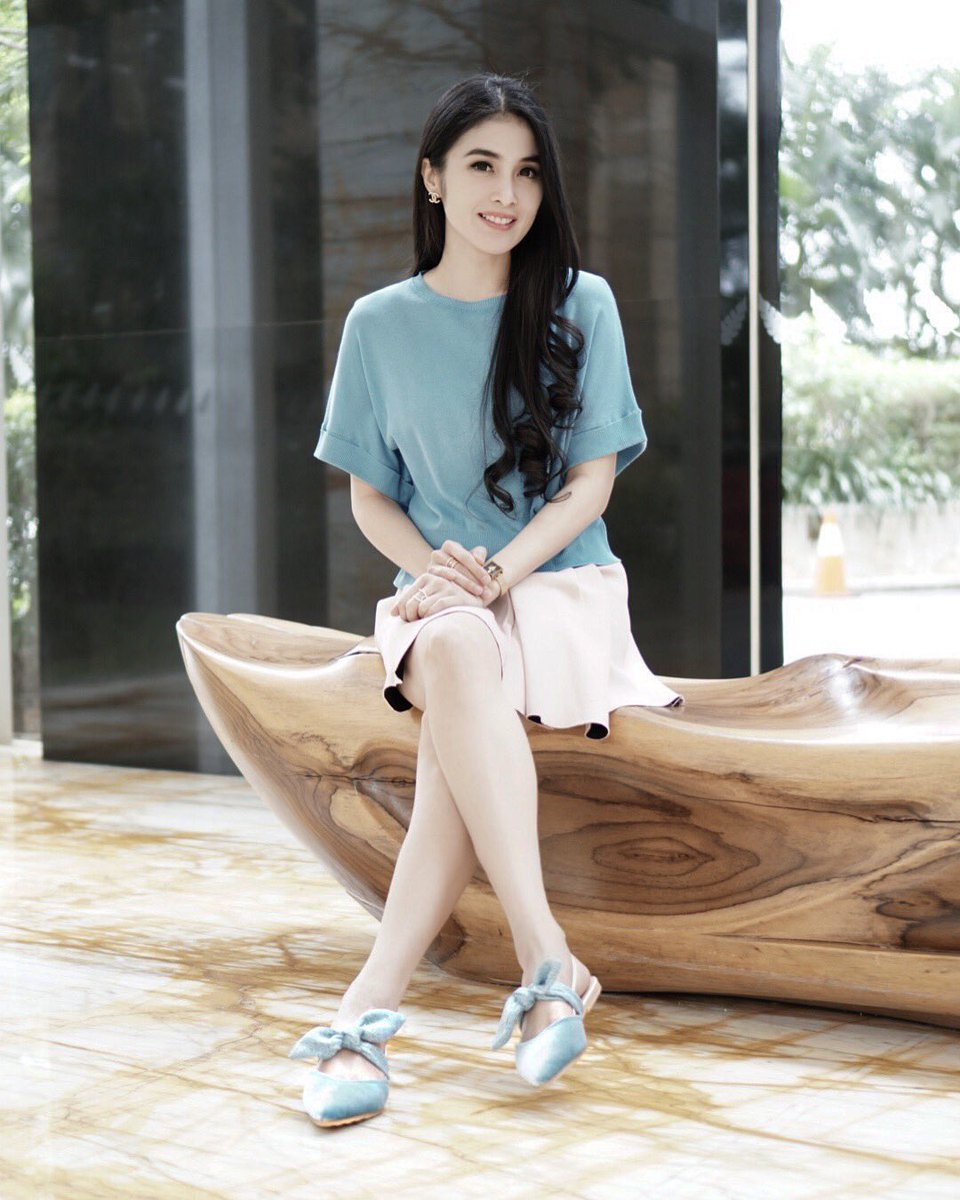 Sandra Dewi nude (18 foto) Cleavage, 2016, cleavage