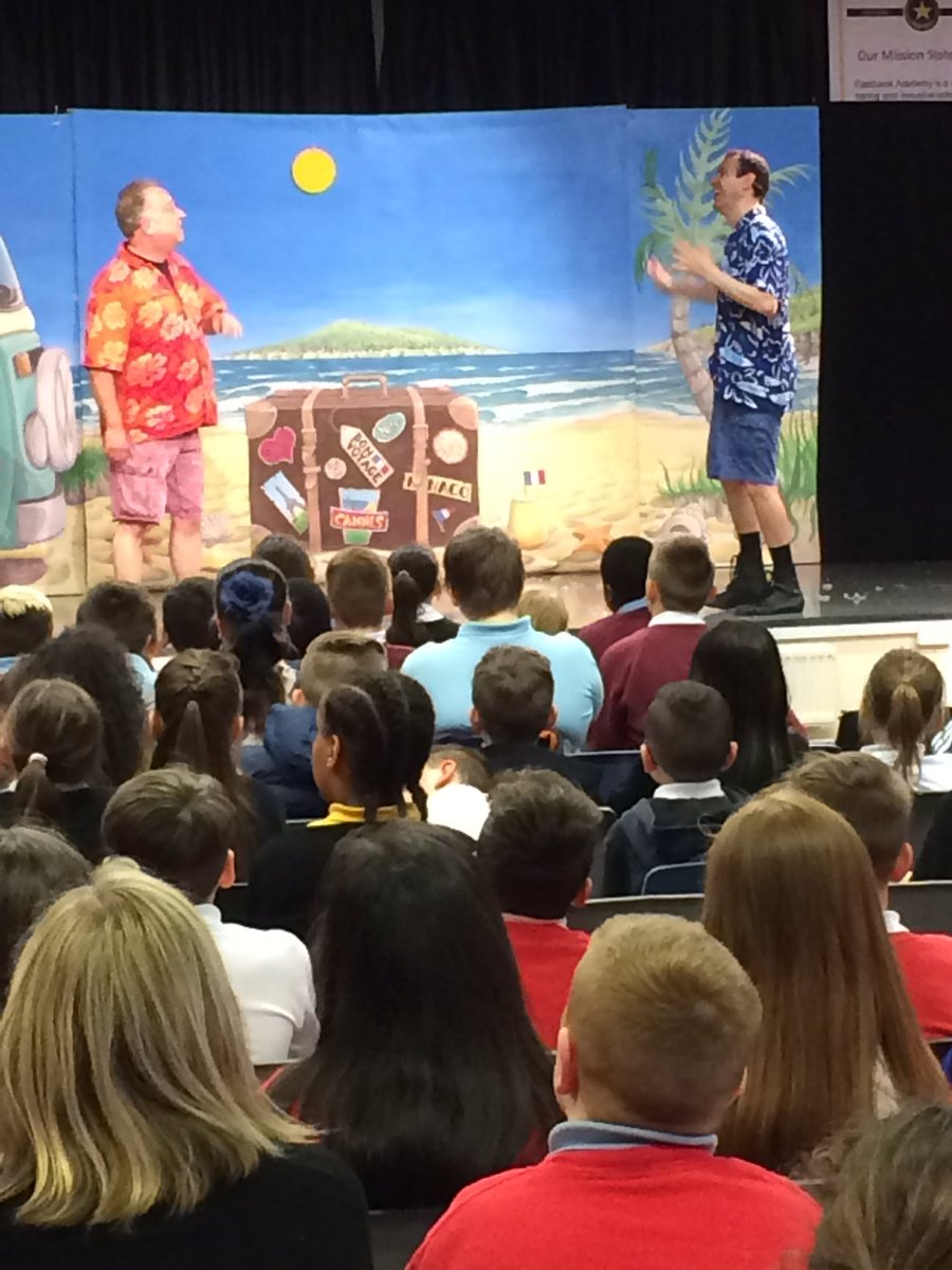 P7s in Eastbank LC enjoyed a fabulous experience of Bon Voyage by the Flying Theatre Company yesterday! #beaucoup d&#39;amusement <br>http://pic.twitter.com/OK3wKqLANQ