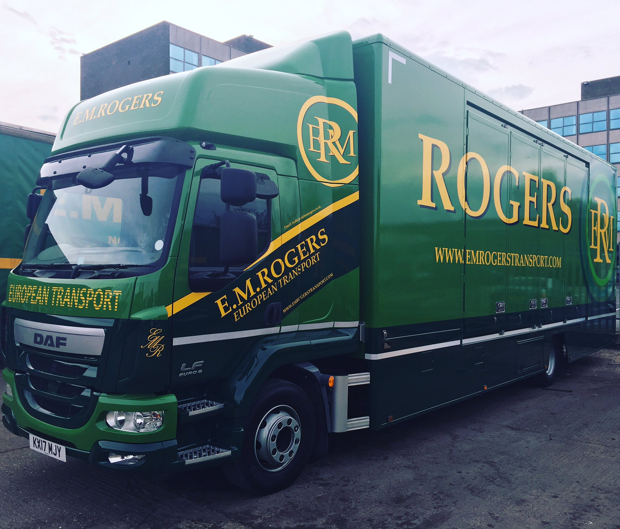 """E.M.Rogers Transport On Twitter: """"Another Enclosed 2 Car"""