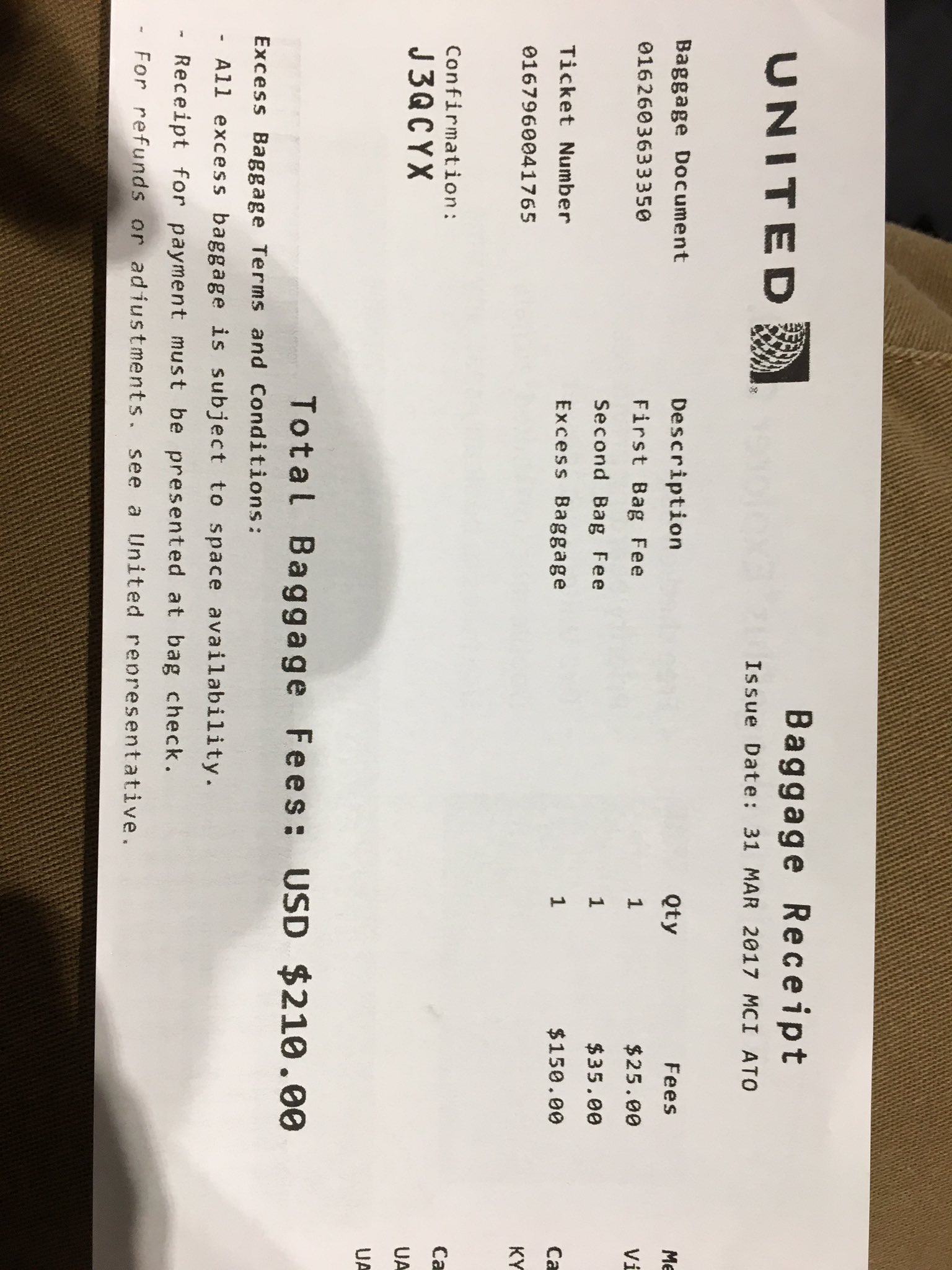 Kyle Beach On Twitter Well United Airlines Strikes Again Checked 2 Hockey Bags Of Gear With Sticks Paid For The And An Extra 150