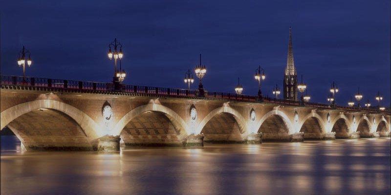 Bordeaux Métropole lance un appel au mécénat pour restaurer le pont de pierre https://t.co/GJ2pEGf4du