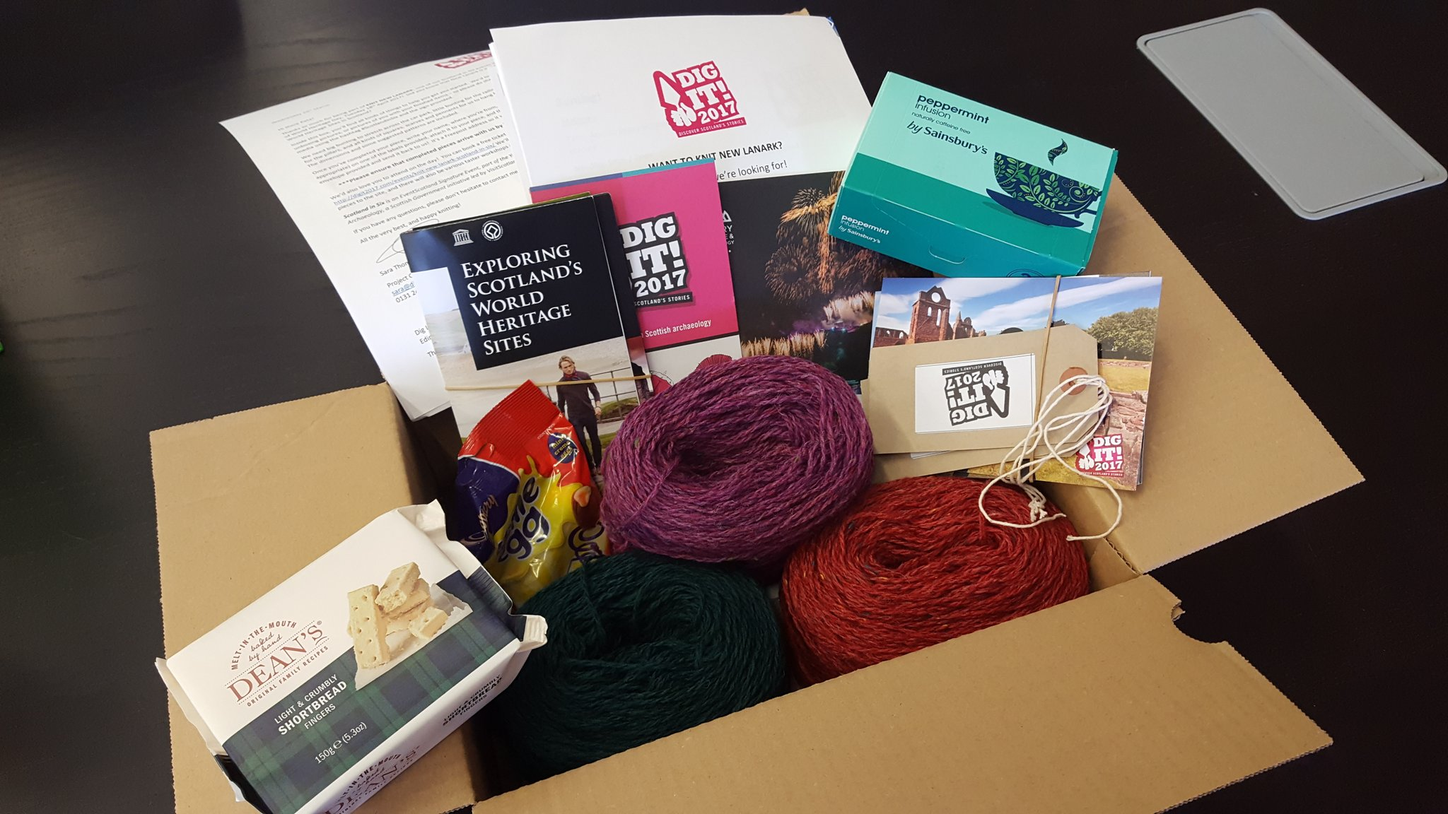 Sooooooo excited to receive my 'Knitting New Lanark' pack from @DigIt2017 !! Such lovely wool and treats! Weekend sorted :-) #ScotlandinSix https://t.co/aPlHR9MstX