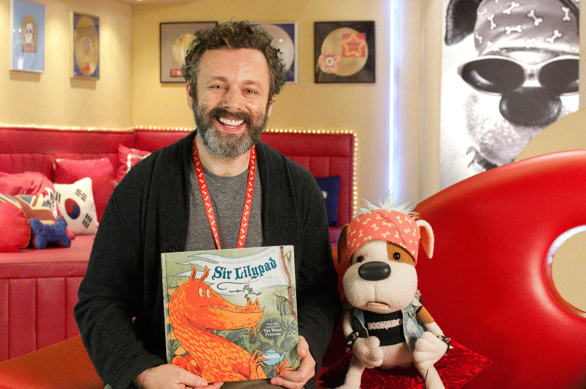 RT @CBCKids: Michael Sheen reads with #Bookaboo! Catch it online here! https://t.co/OQnxjgQ6XP @michaelsheen https://t.co/5ppcCSYlw2