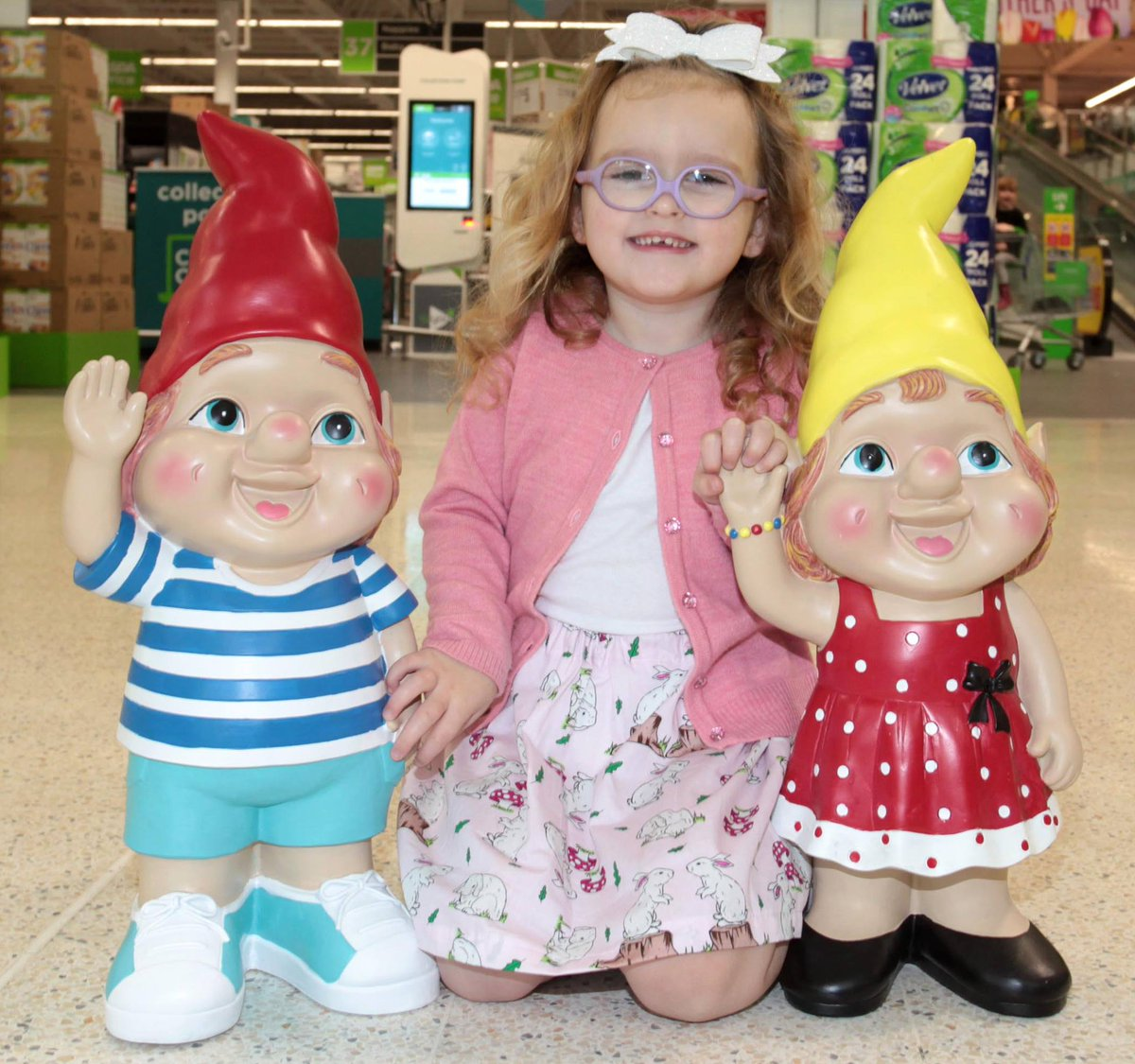 """Gnome In Garden: Asda On Twitter: """"Lola Loves Our Giant Gnomes And Came"""