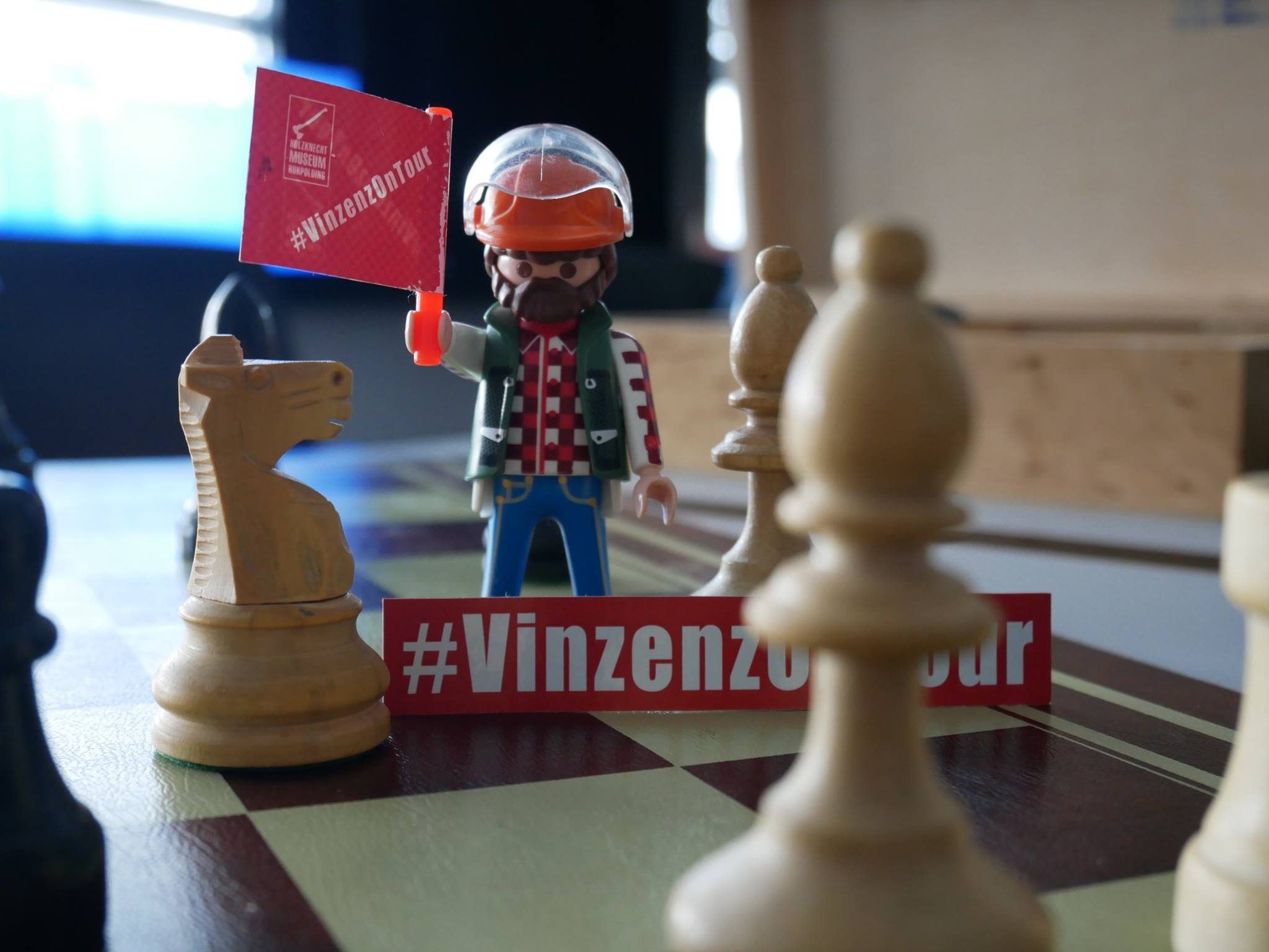 Schach matt! 🤣 #VinzenzOnTour https://t.co/Y7wnORGw3R