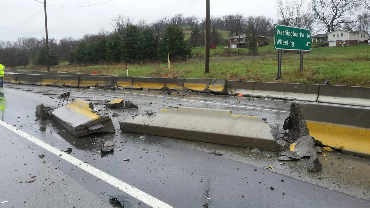 Washington County : Tractor trailer accident closes