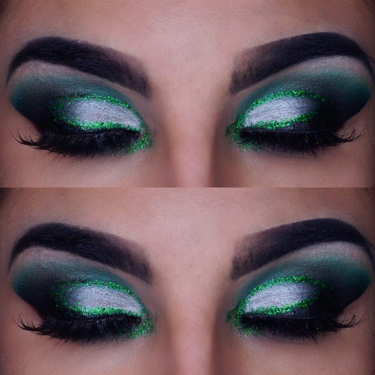 Manon Tissier On Twitter Close Up Of My Glitter Goth Eye Makeup