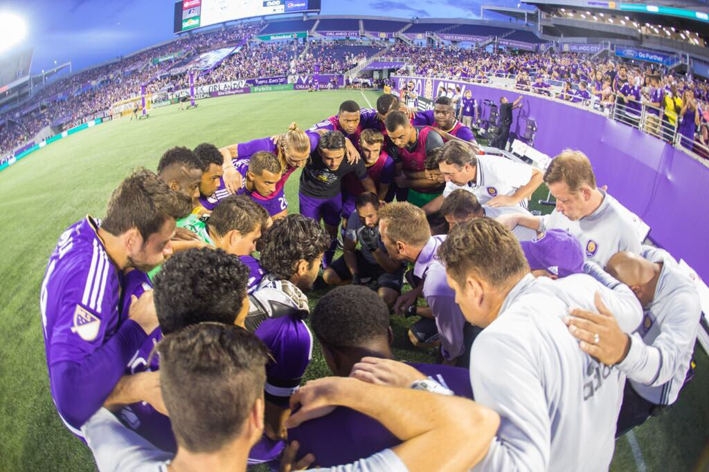 Never hunt alone �� #GoLions #CLBvORL https://t.co/nQGDwwus5w