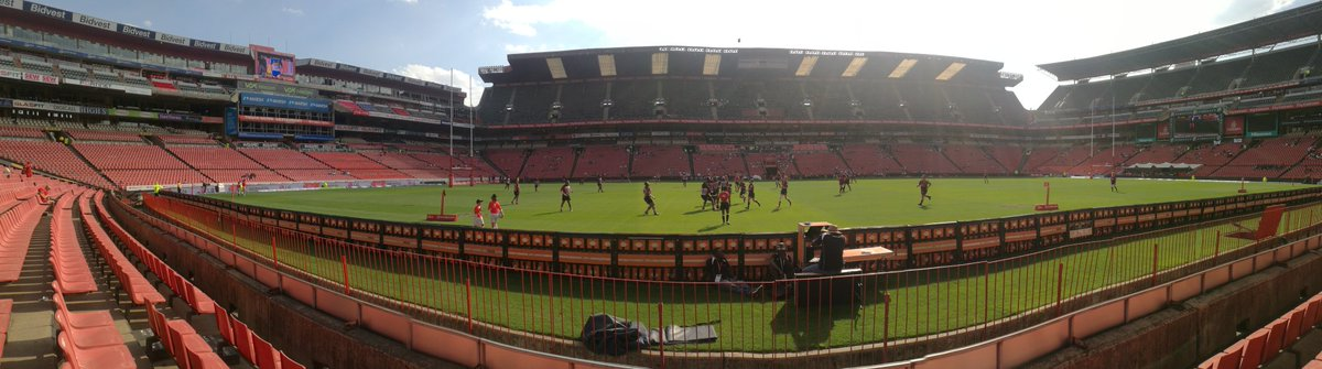 Woohoo! At the stadium and ready for the game @LionsRugbyUnion @PrideofJozi
