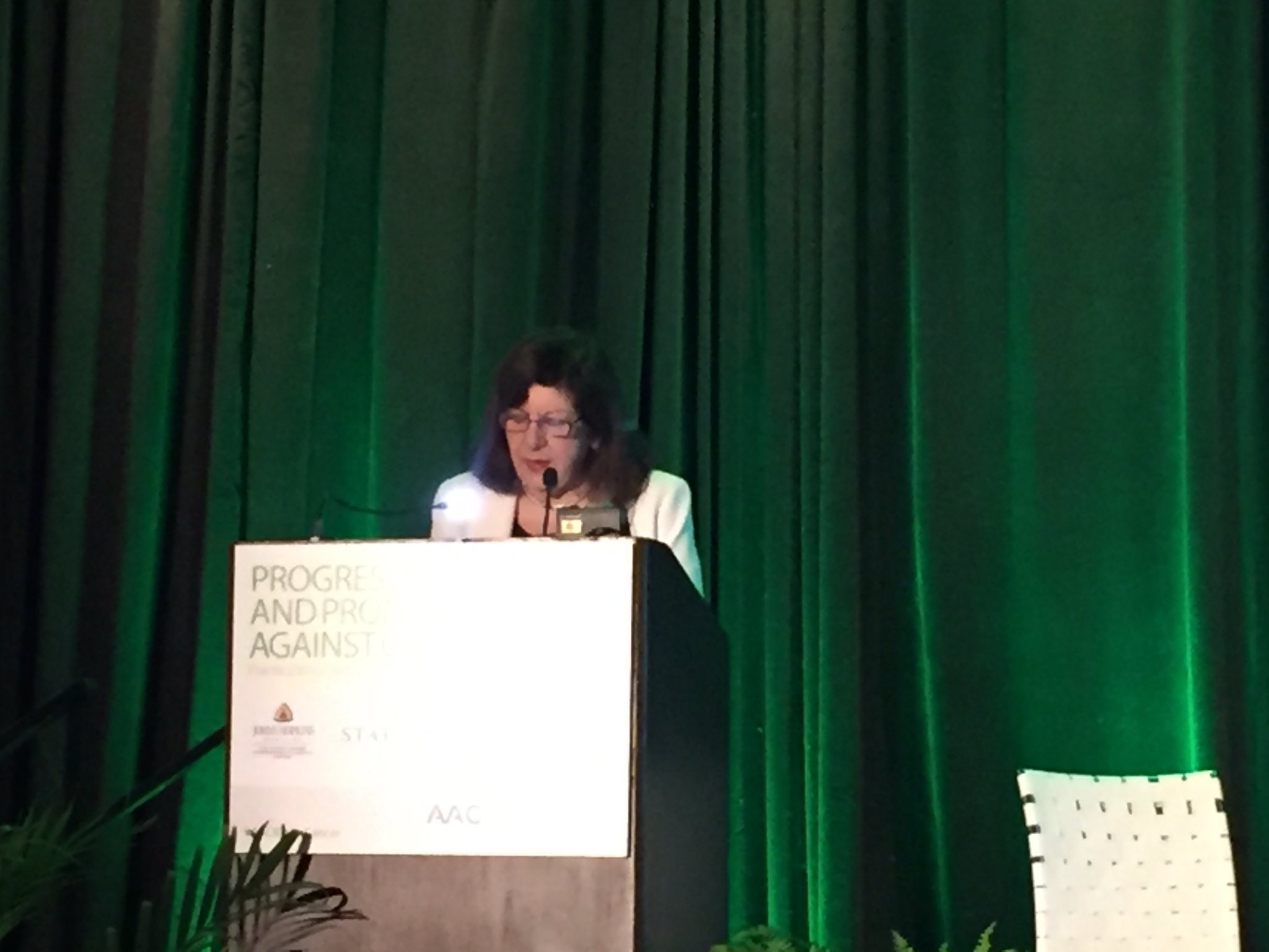 Up first in today's #AACRTalksCancer community event is AACR CEO Dr. Margaret Foti. #AACR17 https://t.co/Xg9kOtXW5A