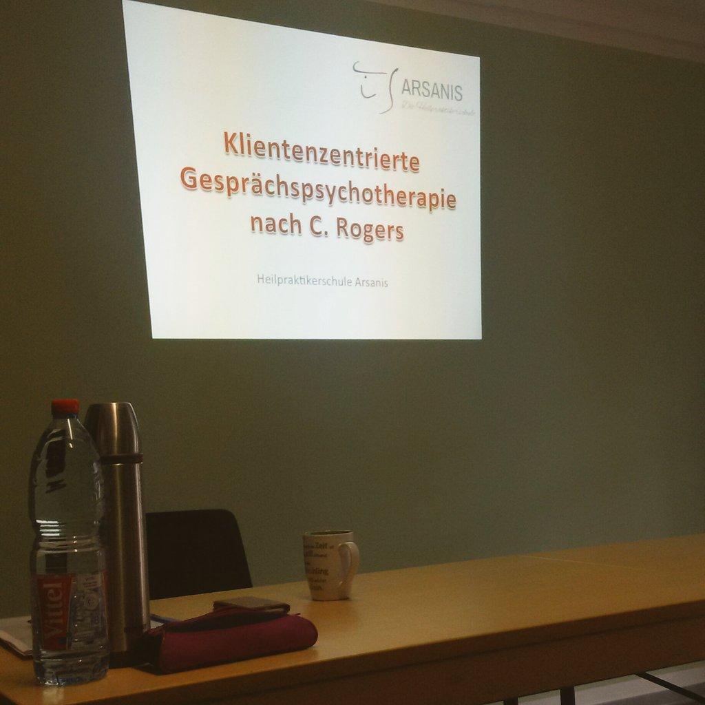 Ein lehrreicher erster Seminartag geht zu Ende. #dankbar #fortbildung #köln #psychologie #heilpraktikerpsychotherapie pic.twitter.com/uNY30PXGmM