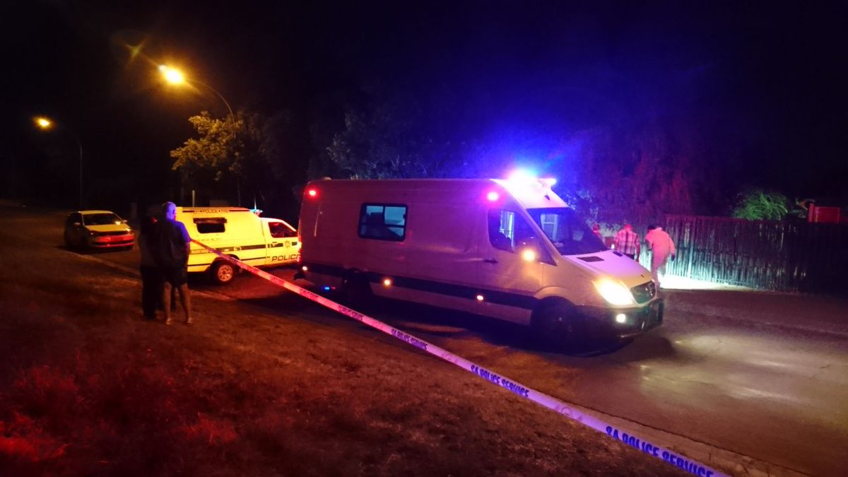 Student shot and killed in #Universitas, #Bloemfontein https://t.co/SnIMP4F9og