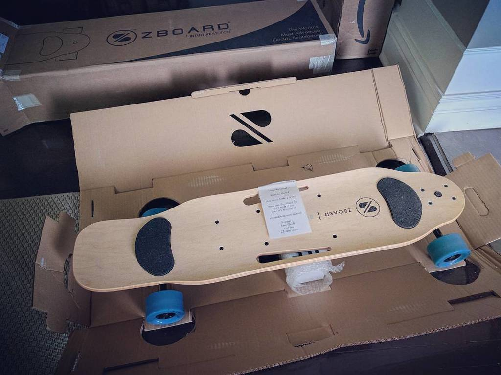 I cannot wait to take this bad boy for a spin.. Thanks @zboard !! #unboxing #skateordie #electrictransportation #ondeck #worththewait #zboa…