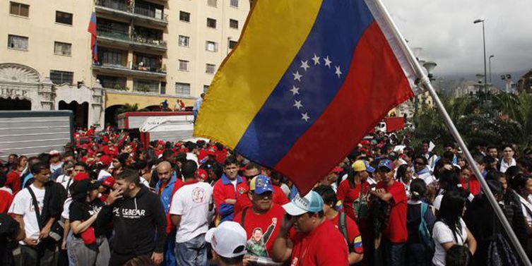 Venezuelanos são transferidos de praça para abrigos em Boa Vista. Ouça: https://t.co/fd9JIPBKCp 📷 Arquivo/ABr